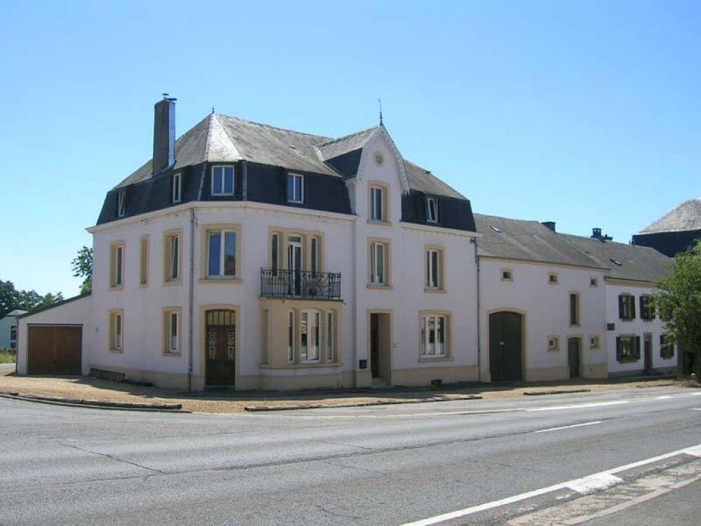 Le lit de la semois chiny luxembourg bedandworld for Maison du lit luxembourg